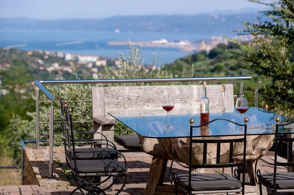 Sea view pool villa del mare